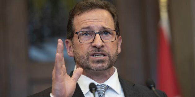 Nous allons ici pallier ce manque d'information en décrivant le programme du Bloc québécois dans les...