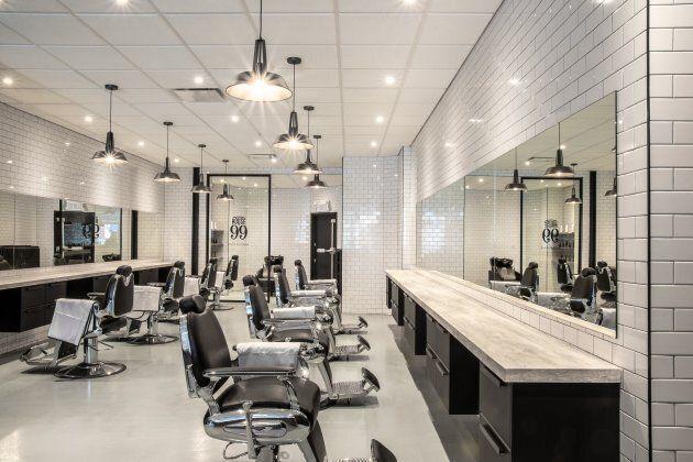 Le nouveau salon de barbier trendy est à