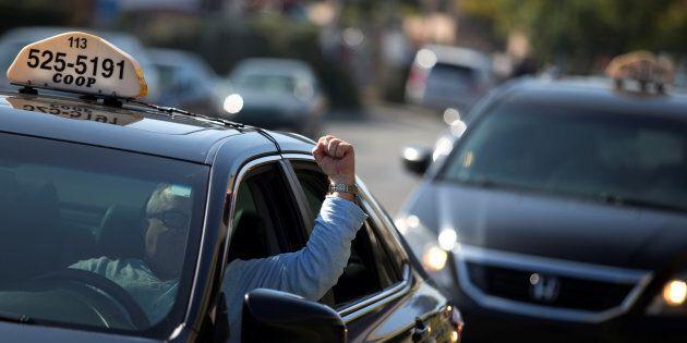 Les chauffeurs de taxi sont tellement habitués à vivre avec les avantages excessifs qu'on leur a consenti pendant des années qu'ils sont décontenancés.
