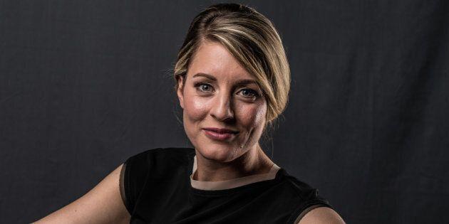 Crise des médias: la ministre Mélanie Joly refuse de rencontrer la