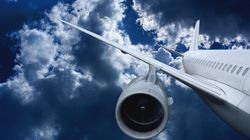 Un avion avec 25 personnes à bord s'écrase près de la piste en
