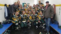 Au moins 15 morts dans l'accident de l'autobus d'une équipe de hockey en
