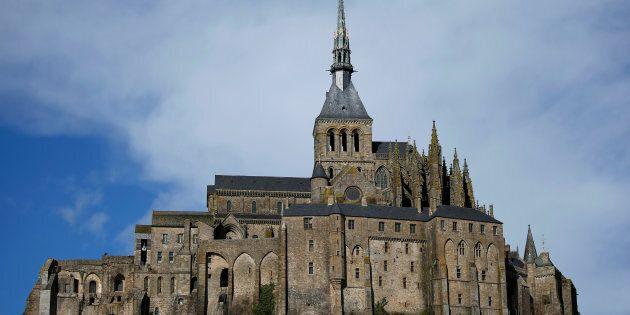 Le célèbre Mont-Saint-Michel est évacué en raison d'une menace en