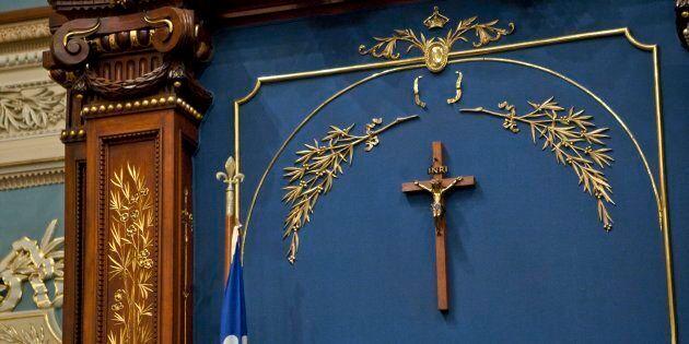 Le crucifix fut placé dans l'Assemblée nationale en 1936 par Maurice Duplessis pour signifier un rapprochement...