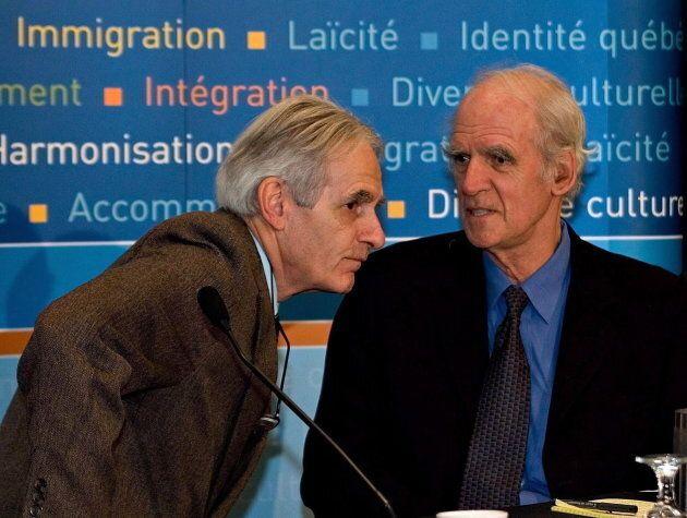 Les co-présidents de la commission Bouchard-Taylor, Gérard Bouchard (à gauche) et Charles Taylor (à droite), lors des travaux en 2007.