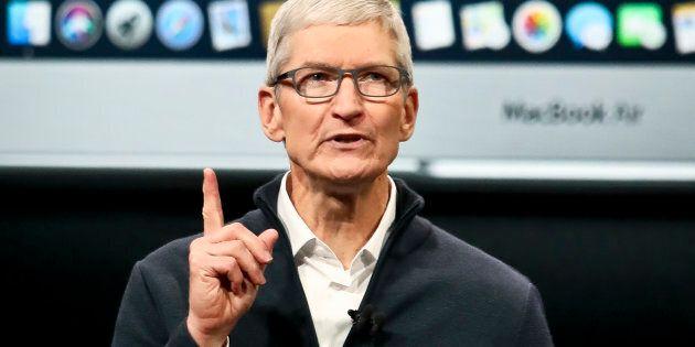 Le PDG d'Apple sur la défensive après avoir conclu une entente de milliards avec