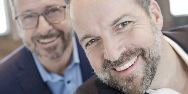 Le candidat du Bloc québécois pour la circonscription d'Outremont, Michel Duchesne (à droite), en compagnie...