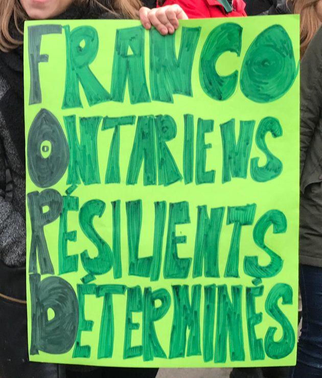 Pancarte lors de la manifestation du 1er décembre 2018, à l'Hôtel de ville d'Ottawa contre les coupures...