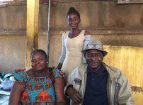 Adèle, Alphonse et leur fille cadette Vanessa dans leur