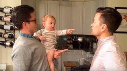 Face au jumeau de son papa, ce bébé est perturbé