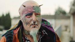 L'homme qui voulait ressembler à ses perroquets