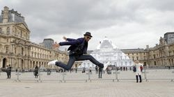 Un artiste a fait disparaître la Pyramide du Louvre