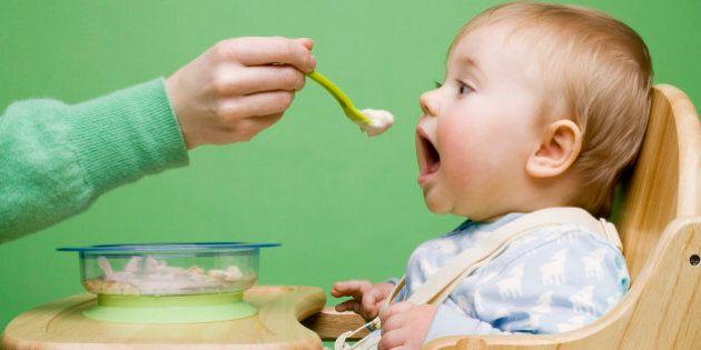 Les bébés peuvent manger des aliments allergéniques, selon une