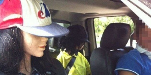 Un conducteur et ses 2 mannequins interceptés dans une voie