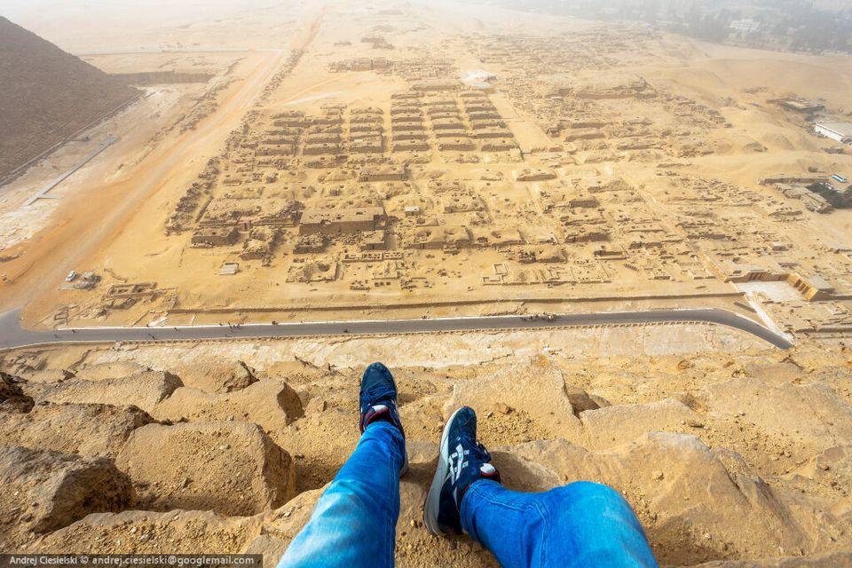 La fois où j'ai failli me faire arrêter pour avoir escaladé la pyramide de