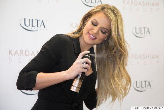 Des spécialistes des cheveux affirment que le shampooing sec peut rendre