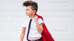 À 6 ans, Gavin porte mieux le complet que bien des adultes