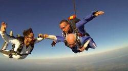 À 101 ans, il saute en parachute avec Guillaume