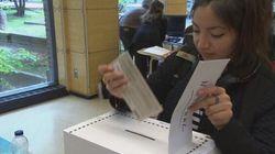 Des étudiants trouvent qu'il est difficile de voter loin de leur circonscription