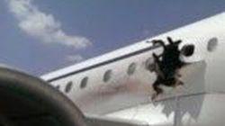 Somalie: l'explosion à bord d'un avion sans doute due à une bombe, selon le pilote