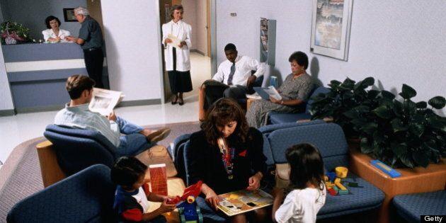 Délai d'attente pour voir un médecin: le Québec au 10e rang des 10