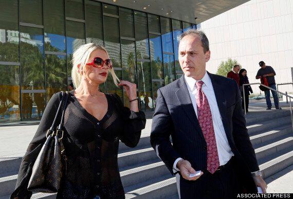 Une femme poursuit Cosby et Hefner pour une agression alléguée au Manoir