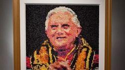 Le portrait de Benoît XVI en préservatifs coûte cher au musée de Milwaukee