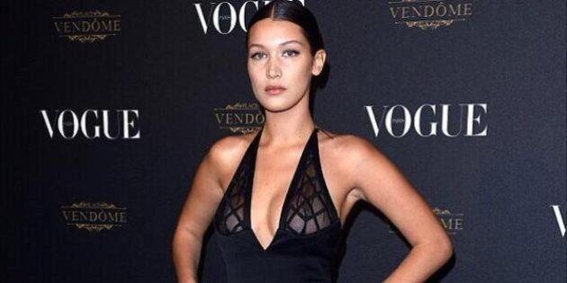 Bella Hadid dévoile son piercing au mamelon à la Semaine de mode de Paris