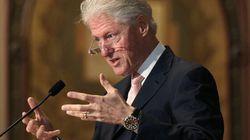 Bill Clinton donnera encore des discours pour «payer les