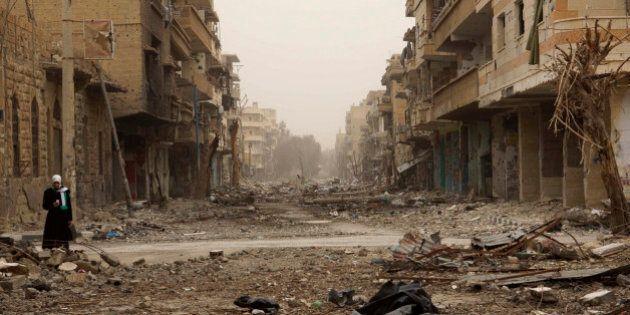 Syrie: l'EI renforce le siège de Deir Ezzor, craintes de
