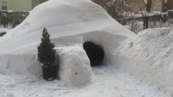 Après la tempête, il propose un igloo sur