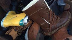 Des chaussures lacérées et jetées derrière un commerce Yellow font