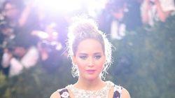 Jennifer Lawrence avec des baguettes en guise de