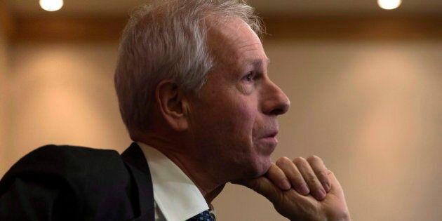 Les libéraux critiqués pour la position de Stéphane Dion face à