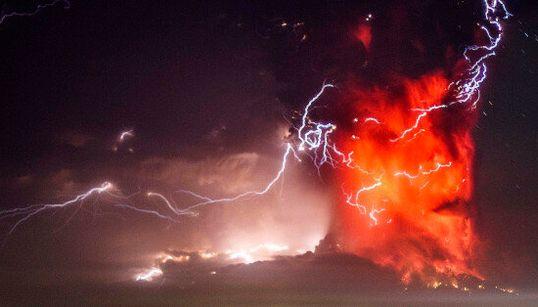 Revivez l'éruption spectaculaire du
