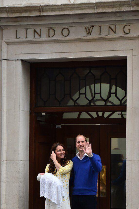 Kate Middleton et le Prince William quittent l'hôpital avec le bébé royal