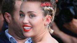 Miley Cyrus montre ses poils d'aisselles sur un cliché signé Terry Richardson