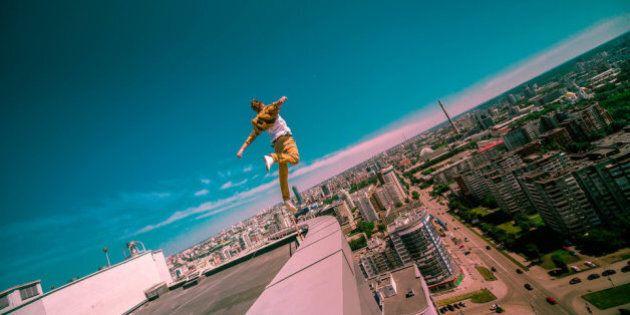 Personnes ayant le vertige s'abstenir: Les photos du casse-cou Oleg Cricket sont belles et épeurantes...