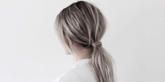 Cheveux: la queue de cheval basse vole la vedette pour le