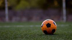 La minute positive: Jouer au soccer pour s'en sortir