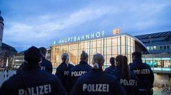 Cologne: des réfugiés parmi les suspects, débat sur les expulsions