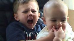 Voyez les petits garçons de «Charlie bit my finger», huit ans plus