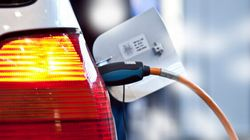 Auto électrique: faut-il punir ou