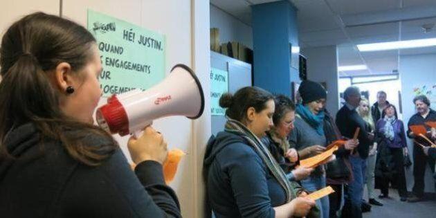 Logements sociaux: le FRAPRU a occupé les bureaux de Montréal de Justin