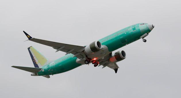 ΗΠΑ: Αεροσκάφος Boeing 737 γλίστρησε από τον διάδρομο προσγείωσης και κατέληξε σε