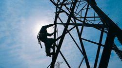 Des milliers de foyers privés d'électricité au