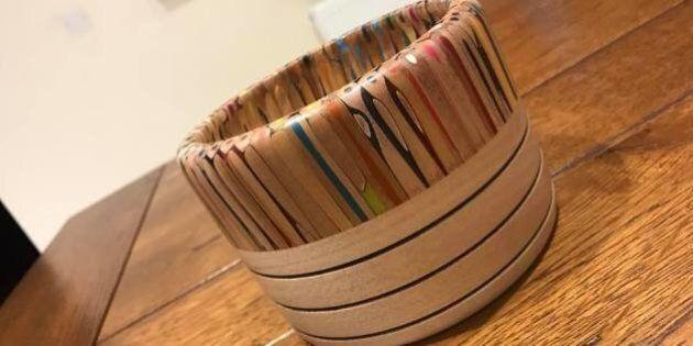 La manière dont cet ébéniste recycle des crayons de couleur est