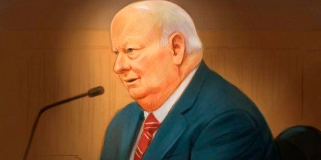Mike Duffy dit s'être opposé au plan du cabinet Harper concernant ses
