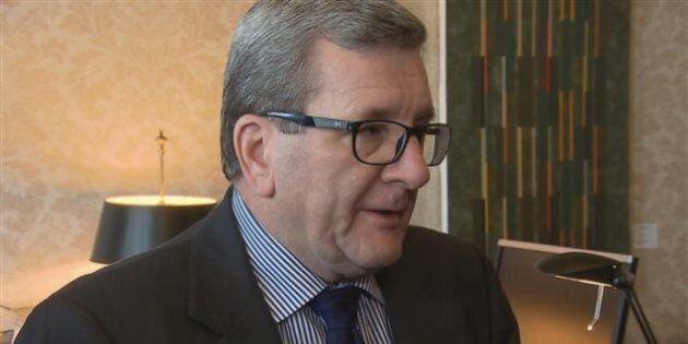 Jeux olympiques d'hiver 2026 : Régis Labeaume promet des consultations, mais exclut un