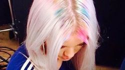 La nouvelle lubie cheveux: les racines arc-en-ciel